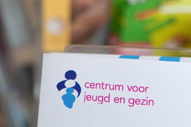 Logo Centrum voor jeugd en gezin op briefpapier