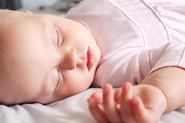 Foto van een slapende baby.