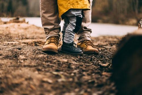 Jongetje leert lopen