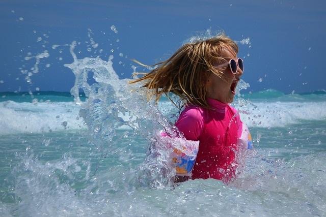 Meisje in de zee